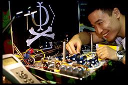Qin Liu assembles faked-state generator (2)